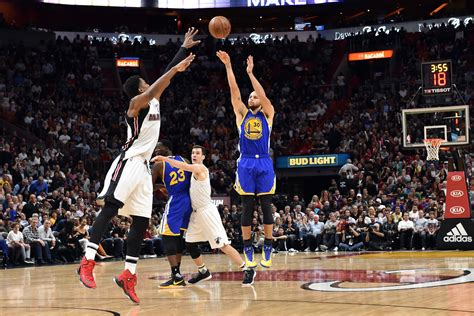 Why Stephen Curry's pull-up 3-pointers are taking over the NBA
