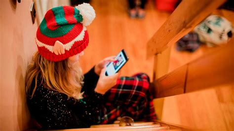 How to Make a Christmas Video on iPhone: Elf Yourself