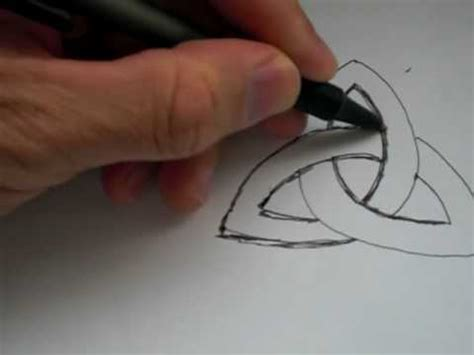 """How To Draw The Ancient Celtic Symbol """"TRIQUETRA"""" - YouTube"""