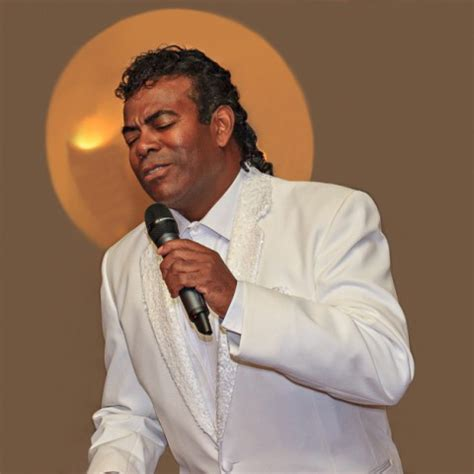 Hire Mirror of Johnny Mathis - Johnny Mathis Impersonator