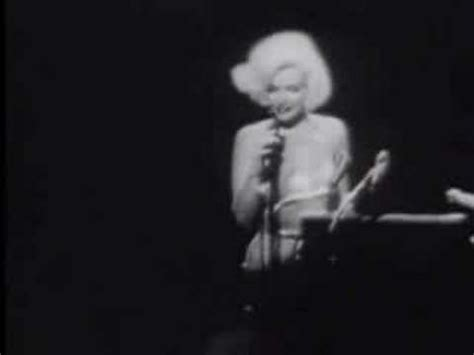 Marilyn Monroe sings Happy birthday Mr