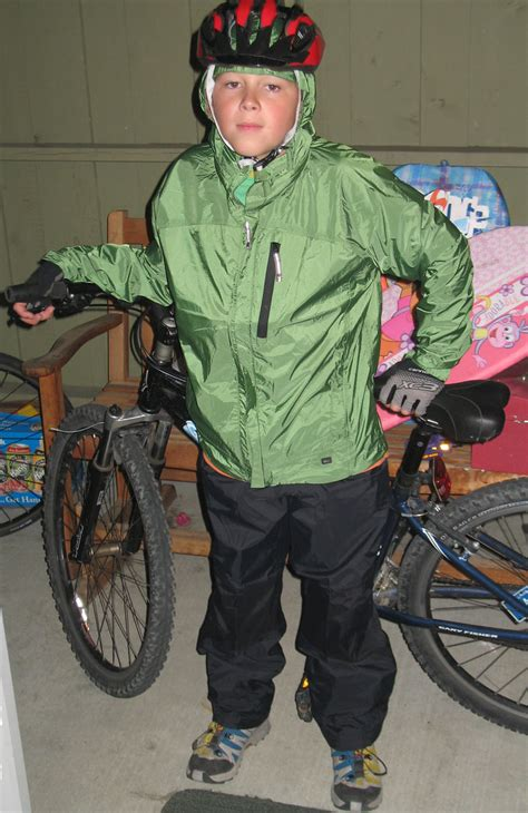 Pre-teen winter cycling clothes | Ian sports his winter