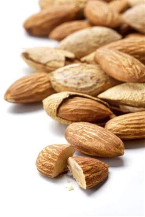 The Best Snacks for Reactive Hypoglycemia | Livestrong